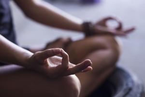 Meditar beneficia tu concentración y previene síntomas de ansiedad.